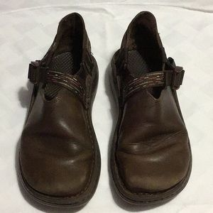 Chaco Leather clog shoes 👞 Size W7